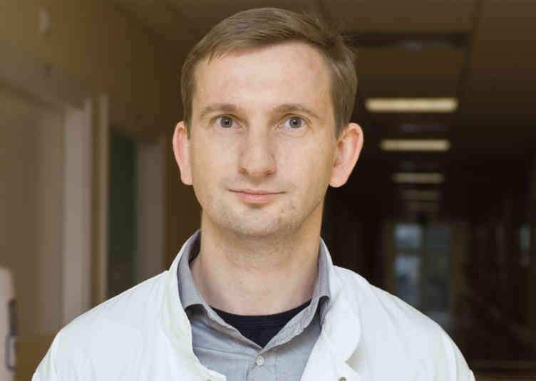 dr. n. med. Rafał Rola